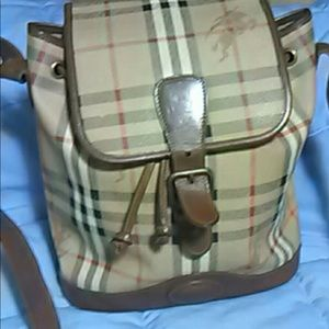 Burberry's vintage bag
